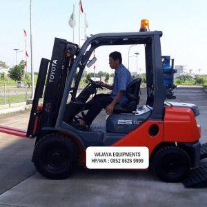 Harga Forklift Toyota 2.5 Ton 2020