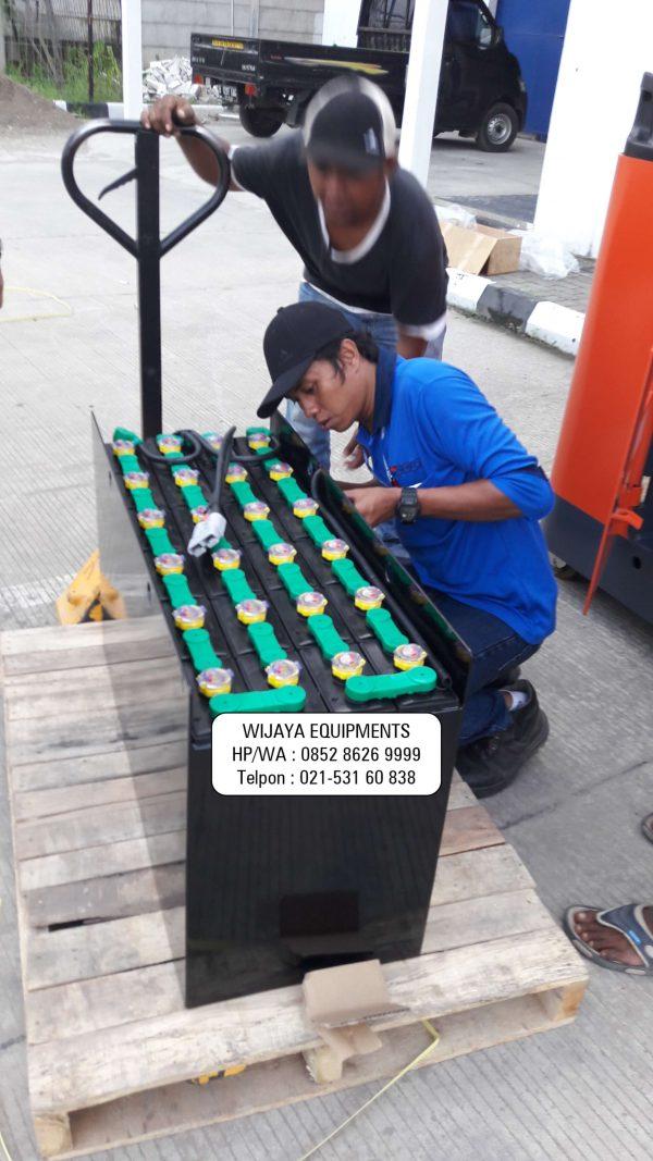 Reach Truck Toyota Battery