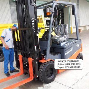 Forklift Toyota FB18