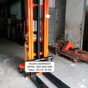 Noblift Manual Stacker 1 Ton 1.6 Meter